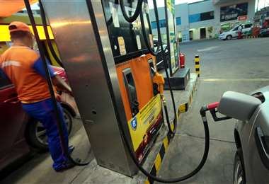 La demanda de combustible cayó a niveles mínimos /Foto: EL DEBER