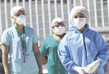 Los médicos dejan todo pese a los miedos que tienen. Foto: Ricardo Montero