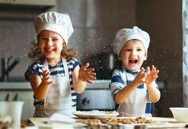 Los pequeños disfrutan la cocina