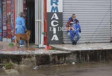 El momento de la asistencia prestada con un tanque de oxígeno /Foto: Jorge Ibáñez