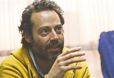 El actor cuestiona que no haya políticas concretas de apoyo a los artistas y a la cultura