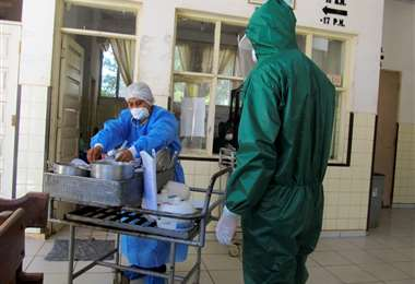 Las condiciones de trabajo del personal de salud del hospital Germán Busch son precarias. FOTO: APG