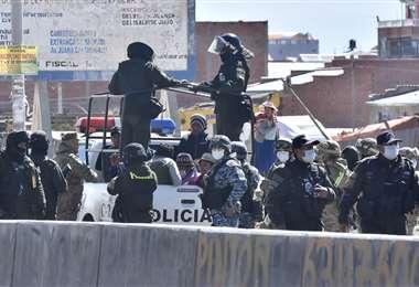 Intervención durante el bloqueo en El Alto I Foto: APG Noticias.