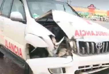 Así quedó la ambulancia tras protagonizar el accidente