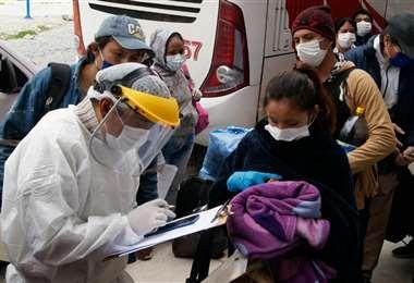 Así se realizó el operativo en la terminal de La Paz. Foto: APG Noticias