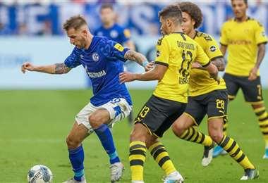 El partido entre el Borussia Dortmund y el Schalke 04 es uno de los más atractivos en el reinicio del torneo. Foto: Internet
