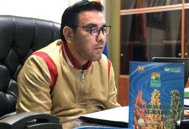 El director del Instituto Nacional de Reforma Agraria (INRA), Alejandro Machicao, dijo que investigan la entrega de tierras