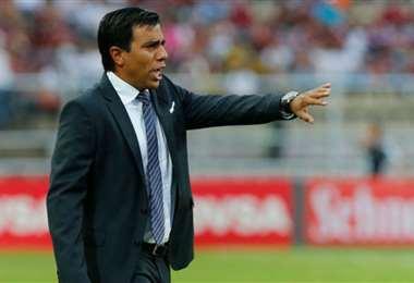 El DT de la selección boliviana de fútbol, César Farías, también tendrá un recorte en su salario según fuentes de la FBF. Foto: Internet