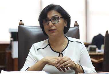 """""""El factor que puede llevar al desenlace fatal en casos de coronavirus se incrementa en un 30% cuando se trata de personas obesas"""", señaló la ministra Cáceres"""