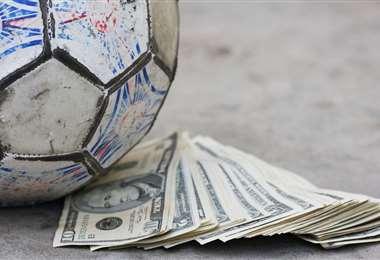 El fútbol atraviesa por una dura crisis económica que se genera por la paralización de los campeonatos a causa de la pandemia. Foto: internet