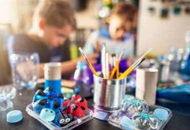 Las manualidades despiertan la creatividad de los niños