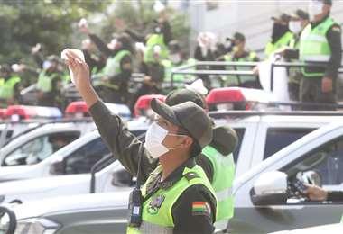 La Policía boliviana sigue trabajando en las calles. Foto: Jorge Ibáñez