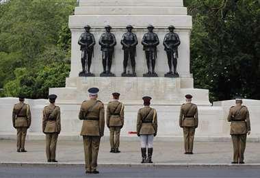 Soldados de la División Hogares participan del homenaje a los 75 años del fin de la Segunda Guerra Mundial en Londres. Foto AFP