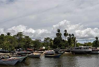Mafias trafican personas en embarcaciones precarias, que a menudo naufragan, desde Guiria, en el estado de Sucre, Venezuela, hasta Trinidad y Tobago | Foto: AFP