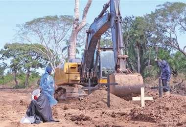 A las afueras de Trinidad se habilitó un cementerio para las víctimas del covid-19/Foto: Pagina Siete