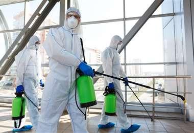En el complejo que el Cine Center tiene en la ciudad de Santa Cruz ya se está realizando la desinfección de los ambientes, como medida de precaución.