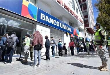 El MAS cree que hay deferencia hacia los bancos Foto: APG