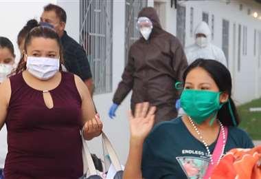 Pacientes que han vencido al Covid-19 en Santa Cruz. Foto Ricardo Montero