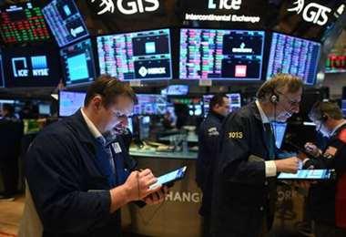 La caída semanal en Wall Street se explica esencialmente por la baja del jueves en un mercado que de golpe comenzó a preocuparse nuevamente por las perspectivas económicas de EEUU./Foto: AFP