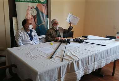 El representante del Sirmes Cochabamba dio una conferencia esta mañana. Foto: Humberto Aillon