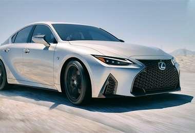 El nuevo Lexus IS 2021 ha quedado totalmente al descubierto