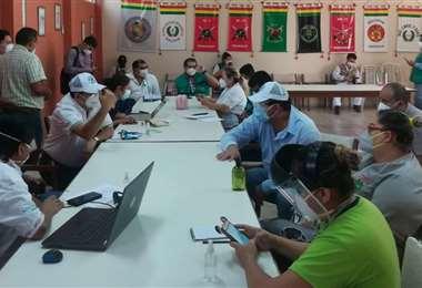 La estrategia de trabajo se define en una reunión en la Octava División/ Foto: Alcaldía