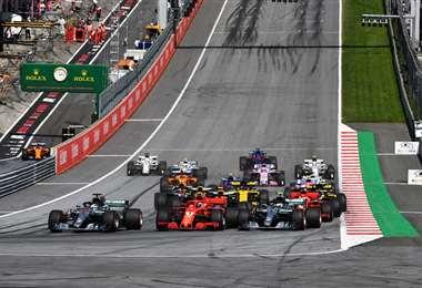 La salida de los coches en el Gran Premio de Austria, que se corrió el año pasado. Foto: Internet