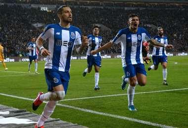 El Oporto es el líder del campeonato de fútbol en Portugal, seguido de cerca por el Benfica. Foto: Internet