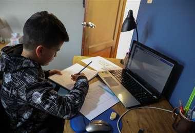Los estudiantes identifican que el costo económico de conectarse les impide seguir sus estudios