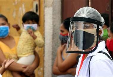 Aumentan los contagios en Santa Cruz. Foto Ricardo Montero