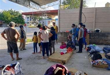 Bolivianos varados en Brasil llegan a la frontera.