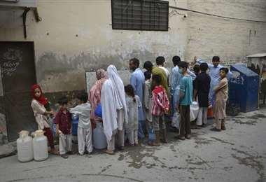 El agua escasea en muchas partes de Pakistán. Foto AFP