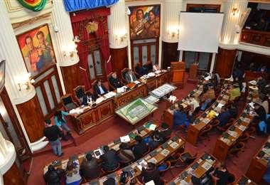 El congreso rechazó la líneas de crédito gestionadas  por el Gobierno