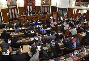 Desde el Órgano Ejecutivo denuncian un cerco parlamentario que impide el acceso a créditos externos