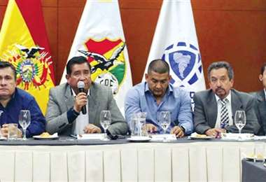 Miembros del comité ejecutivo de la Federación Boliviana de Fútbol. Foto: internet
