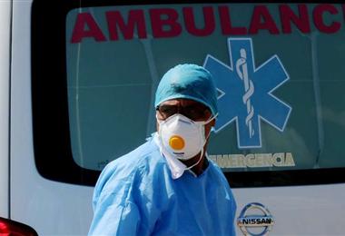 Los médicos y paramédicos atienden en el Comité pro Santa Cruz. Foto. Ricardo Montero