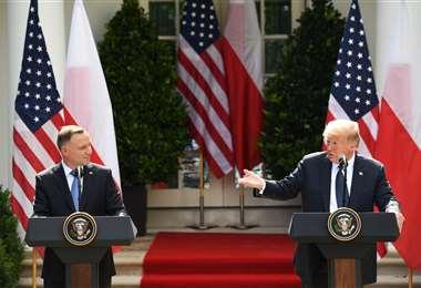 Duda y Trump en el Jardín de las Rosas de la Casa Blanca. Foto AFP