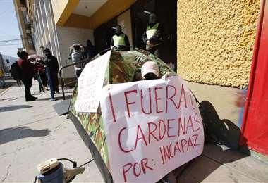 Los padres protestan en La Paz. APG Noticias