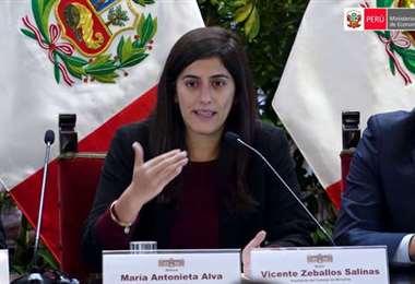 """La ministra peruana María Antonieta Alva explicó que """"hemos sido muy vulnerables"""""""