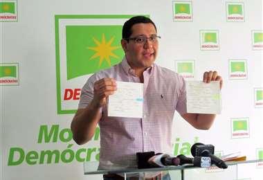 El diputado Tomás Monasterio.