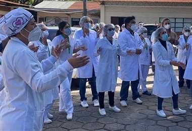 Los profesionales en salud son de los más expuestos al contagio. (Foto: Jorge Gutiérrez)