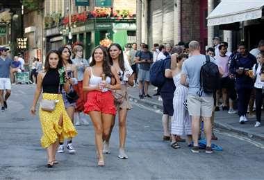 Tiende a normalizarse la situación en las calles de Londres. Foto AFP