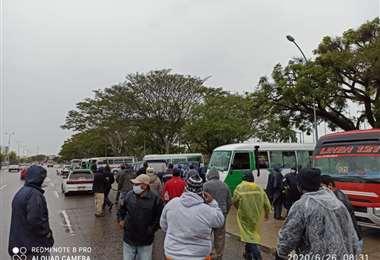 Los transportistas señalan que buscan sustentar a sus familias