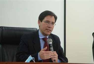 El presidente del TSE en conferencia de prensa