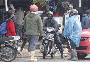 El municipio evalúa autorizar a las motos para circular. Foto: Fuad Landivar