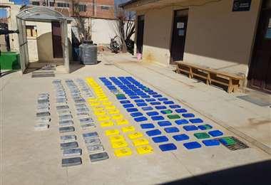Los 168 paquetes con 173,8 kg de cocaína incautados (Foto: Fiscalía)