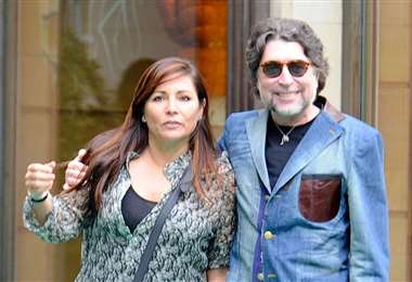Jimena Coronado y Joaquín Sabina paseando por las calles de Madrid
