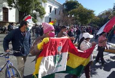 En Tarija, vecinos y transportistas salieron en marcha