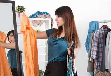 Escoger su ropa y arreglarse bien es un acto de superación mental en tiempos de encierro