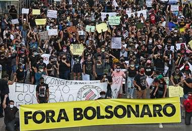 Una protesta contra Bolsonaro en Manaos el martes. Foto AFP